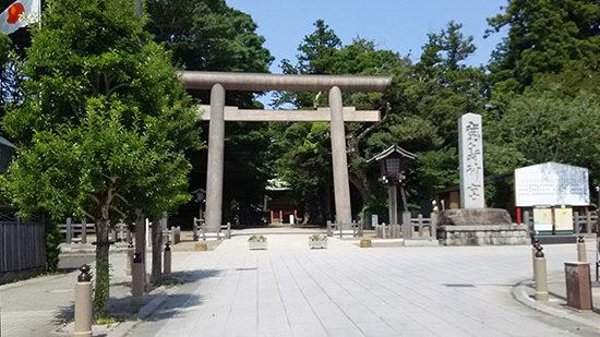 鹿島神宮の再建された大鳥居